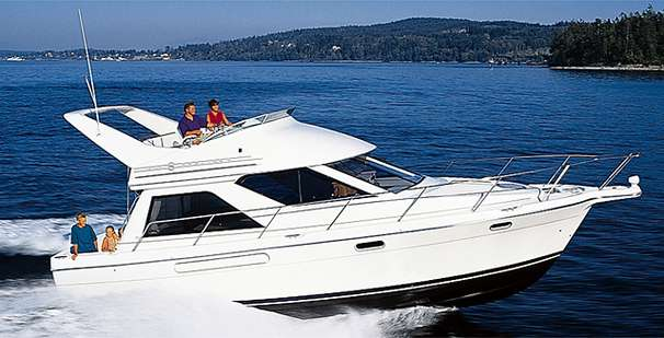 Bayliner 3788 Command Bridge Motoryacht Manufacturer Provided Image