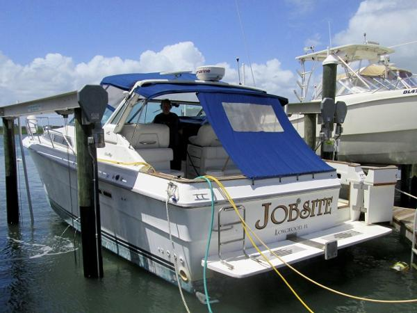 Sea Ray 390 Express Cruiser JOBSITE