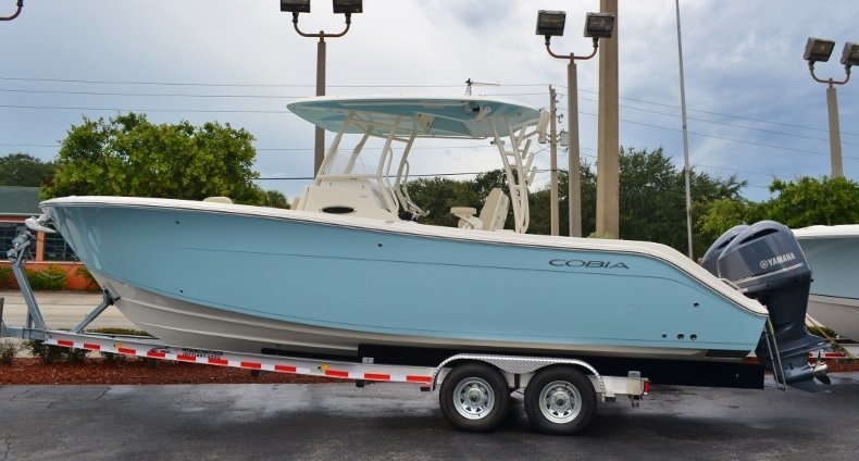 Cobia Boats 296 Center Console