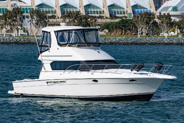 Silverton 42 Convertible Starboard Profile
