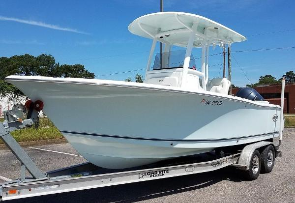 Sea Hunt Ultra 235