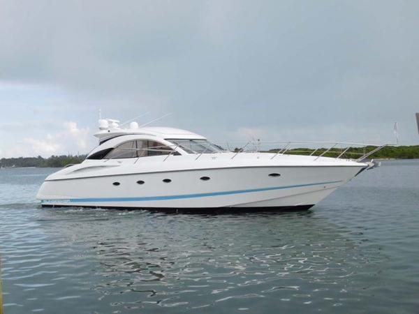 Sunseeker Camargue Hard Top with Sunroof Starboard Profile