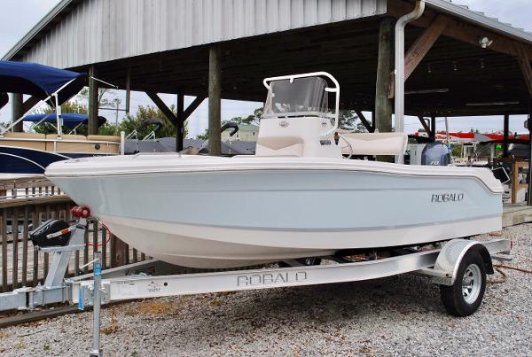 Robalo R160 Center Console 2017-robalo-160-center-console-fishing-boat-for-sale