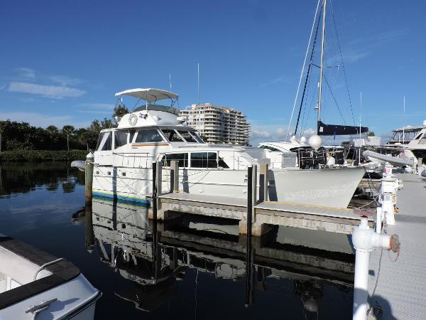Matthews Flybridge Motor Yacht