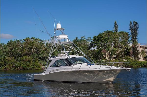 Hatteras Express Cruiser Jerry Rigged