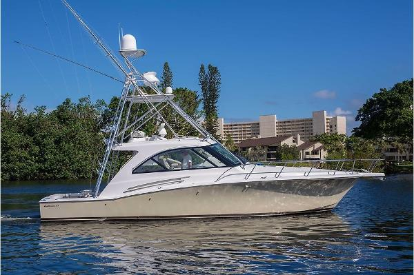 Hatteras Express Cruiser Profile