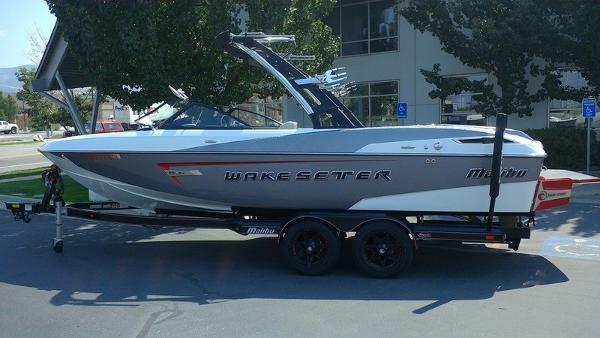 Malibu Boats Wakesetter 23 LSV