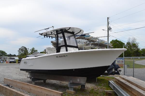 Sea Hunt 235 SE Ultra