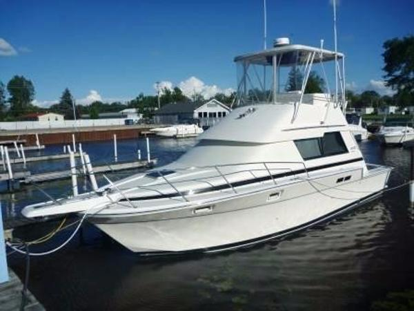 Luhrs 342 Tournament Docked