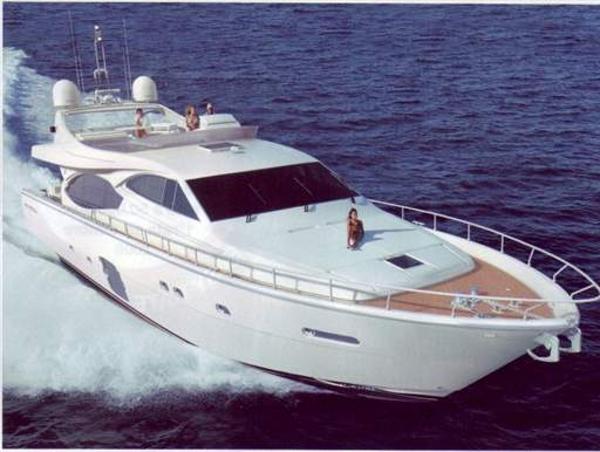 Ferretti Yachts 780 Image 1