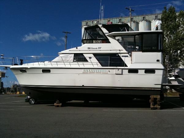 Carver 42 Aft Cabin Motor Yacht