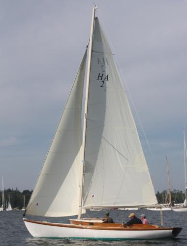 Herreshoff Alerion 26
