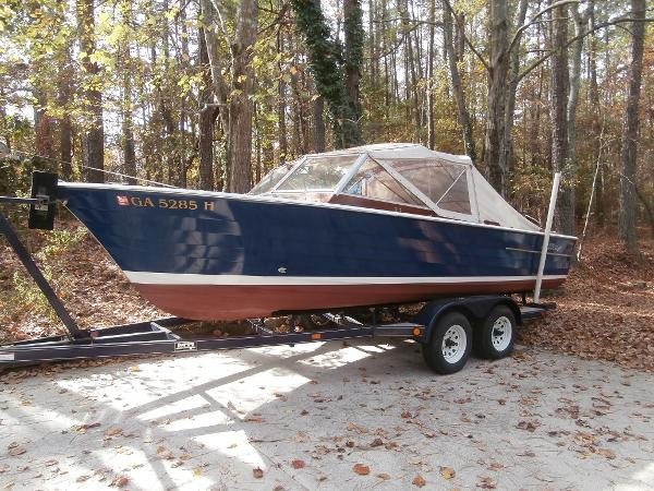 Chris-Craft Sea Skiff Port View on Trailer