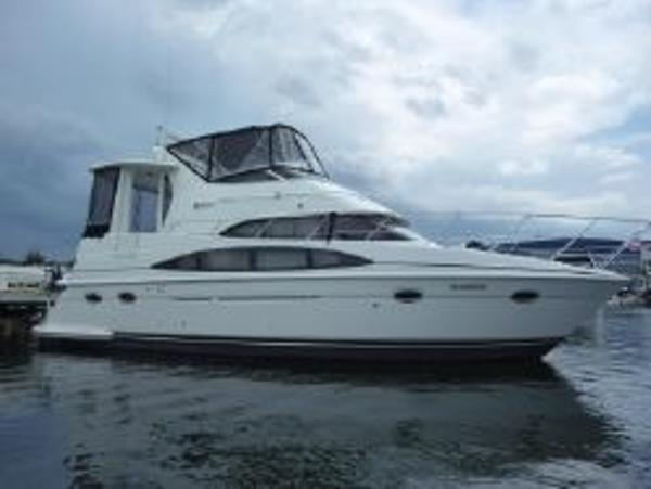 Carver 396 Motor Yacht profile