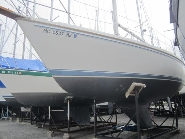 Catalina Tall Rig 30 Port side forward