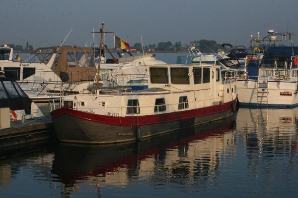 Barge Dutch canal barge