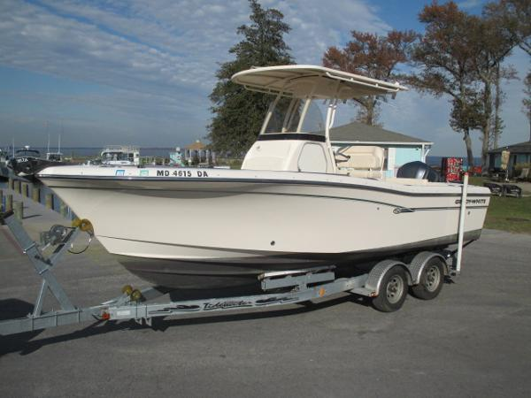 Grady-White 230 Fisherman Port Bow