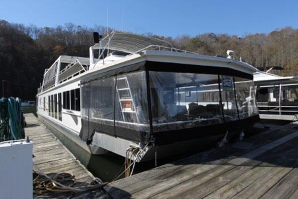 Fantasy Houseboat 20' x 94' Widebody