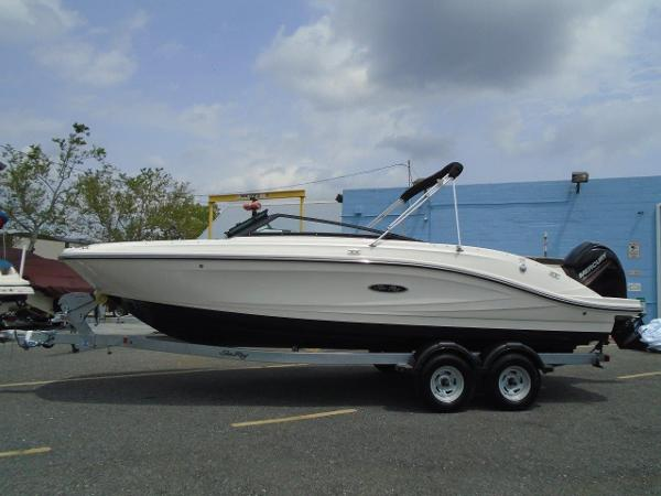 Sea Ray 230 SPO