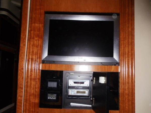 mstr strm TV, stereo w/DVD