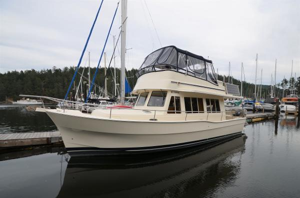 Mainship Expedition Trawler Mainship Expedition Port Profile
