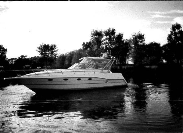 Cruisers Yachts 3675 Espirt