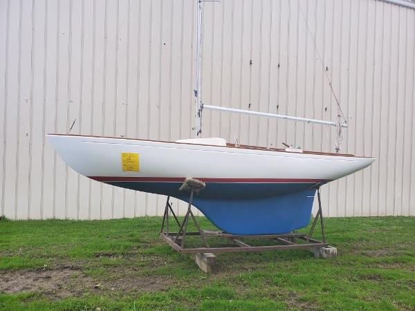 Sailboat McVay Minuet