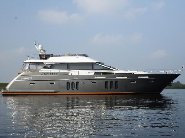 Pacific Pearl S200 Flybridge