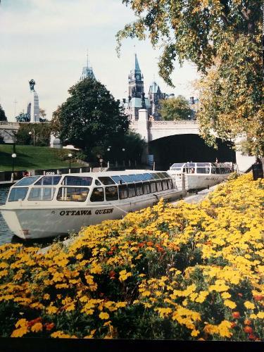 Kanter Yachts Passenger Tour Boat Ottawa Queen
