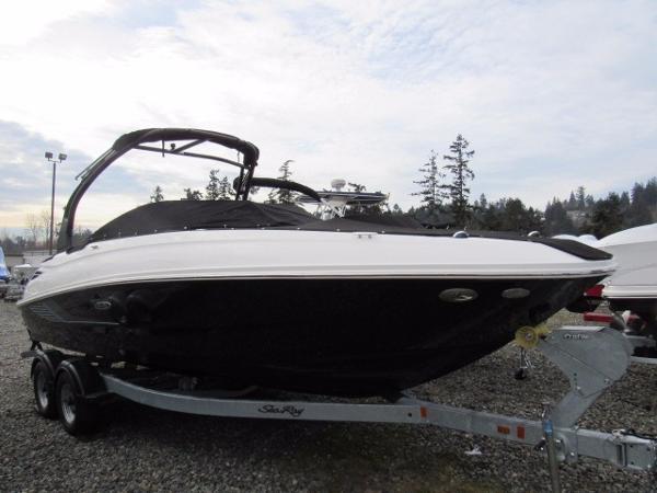 Sea Ray SDX 240