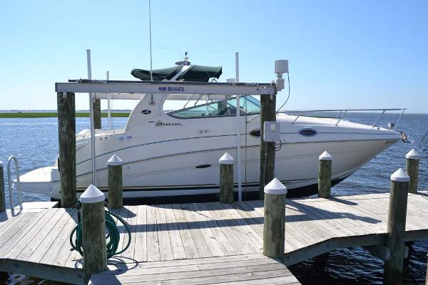 Sea Ray 280 Sundancer Profile