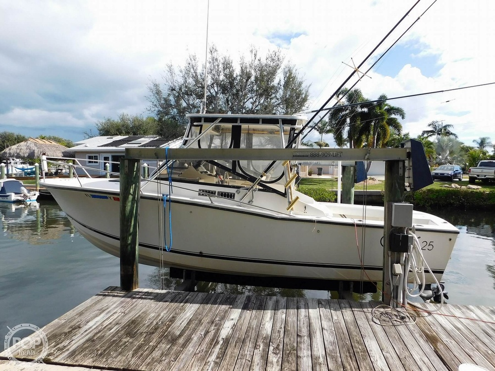 Carolina Classic 25 Sportfish 2000 Carolina Classic Sportfish for sale in Stuart, FL