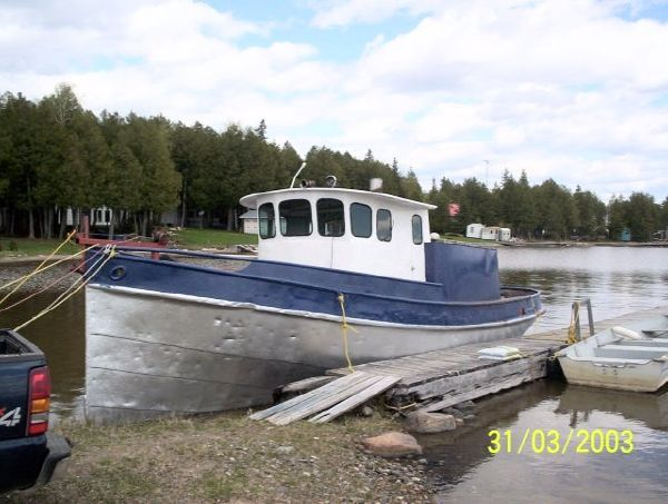 Steel Model Bow Tug Truckable