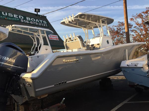Tidewater Boats 280 CC Adventure Custom