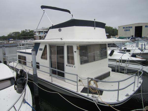 Gibson 36 Houseboat