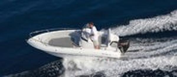 Selection Boats Aston 19