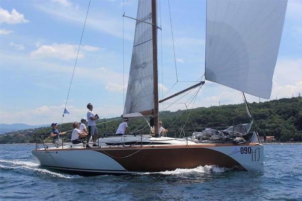 Italia Italia Yachts 9.98 Fuoriserie