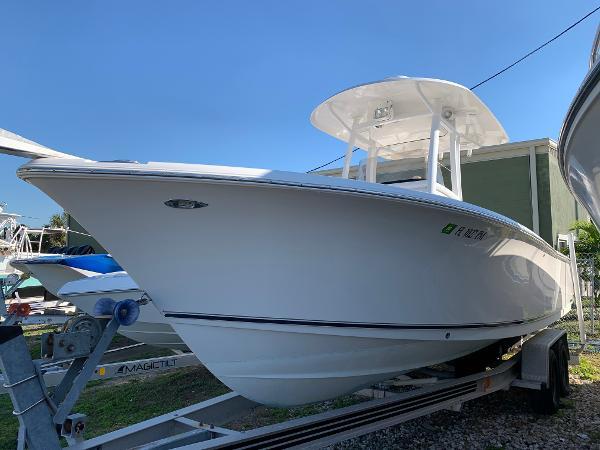 Sea Hunt Gamefish 25 Port Bow