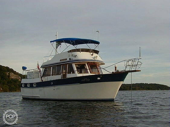 Universal Hampton Bay 39 1984 Universal Hampton Bay 39 for sale in Chester, CT