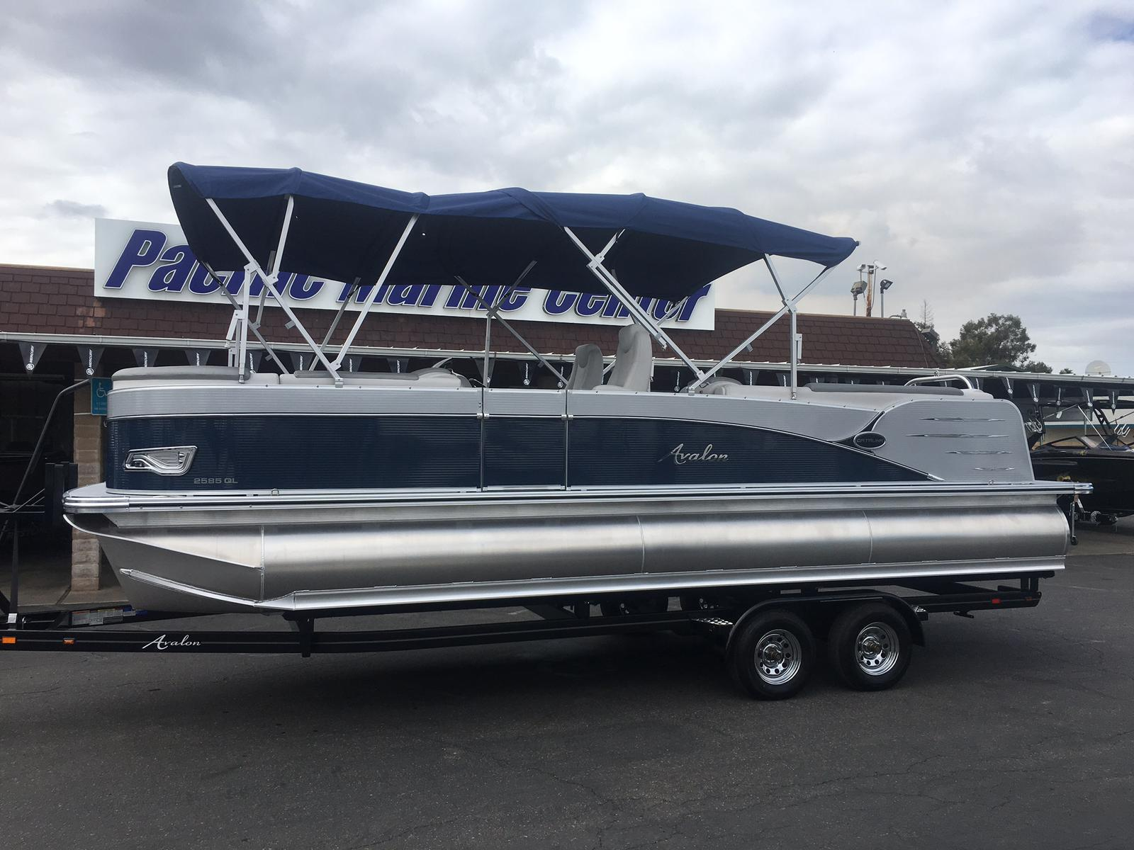 Avalon Catalina Quad Lounge 25-Mercury 250hp