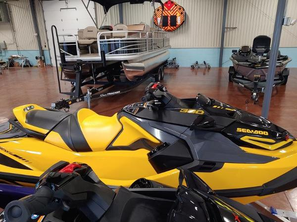 Sea-Doo RXT®-X® 300 Millenium Yellow