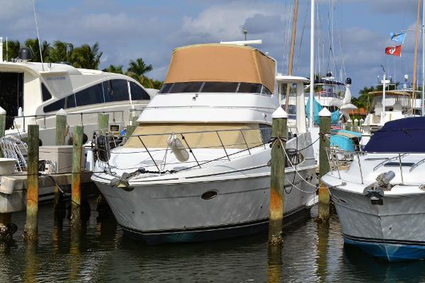 Carver 39 Motor Yacht (Diesel)