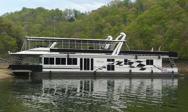 Fantasy Yachts 17x88WB