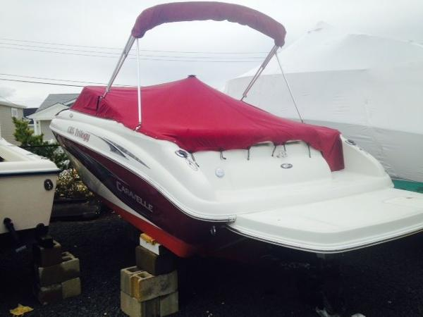 Caravelle Boats 242LS Bow Rider Bimini and mooring & bow covers