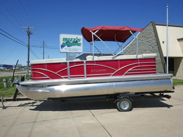 Sylvan 820 Mirage Fish Cruise