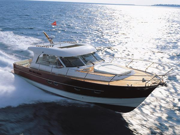 Arcoa Mystic 44 Manufacturer Provided Image: Mystic 44