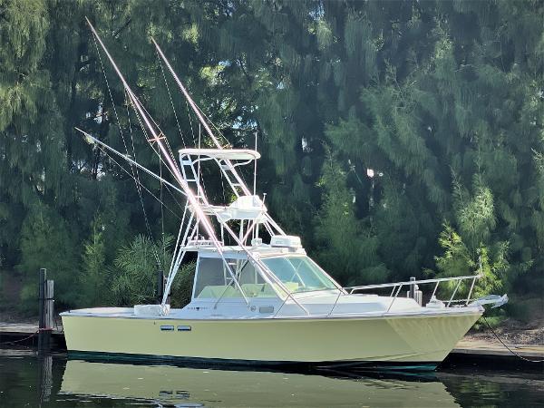 Black Watch 30 EXPRESS Starboard Profile