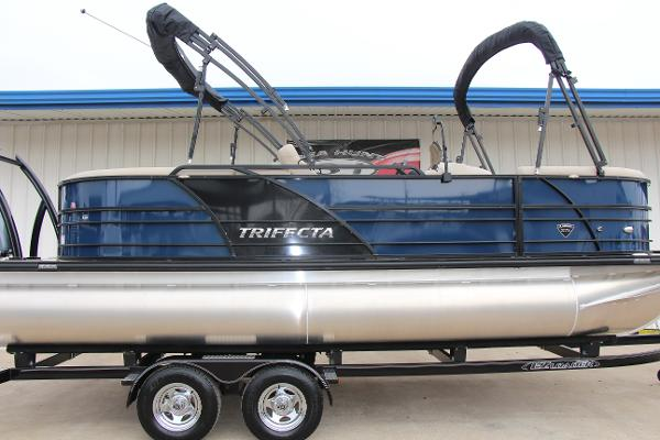 Trifecta 21RF Tri-Toon