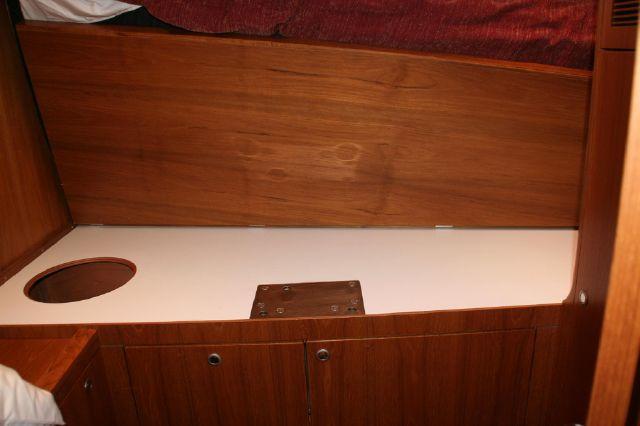 Port side cabin work bench under bunk