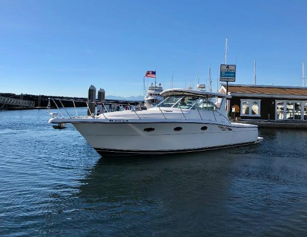 Tiara 3500 Open Bow Quarter